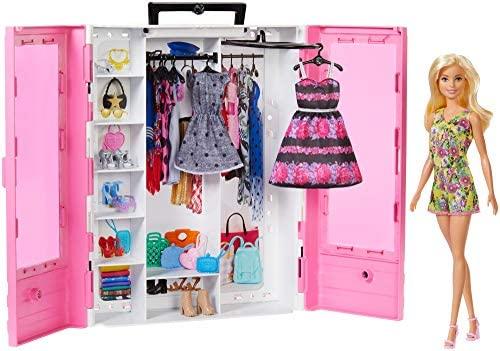 En este momento estás viendo Barbie Fashionista Armario portable con muñeca incluida, ropa, complementos y accesorios de muñecas, regalo para niñas y niños 3-9 años (Mattel GBK12)