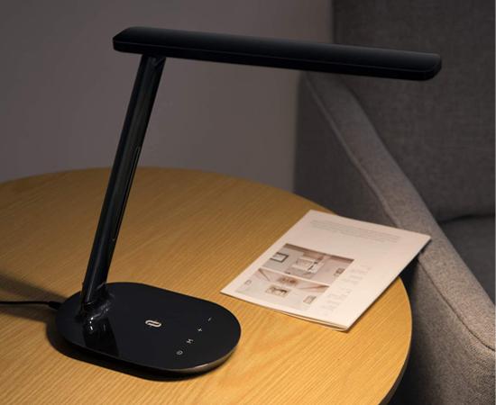 En este momento estás viendo Lámpara LED Taotronics negra, 5 modos de brillo, 3 modos de color, control táctil por sólo 16,07€.