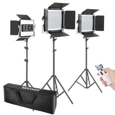 Kit de 3 luces para estudio fotográfico o video/cortometrajes Neewer, 480 leds bicolor (3200-5600K), control remoto por 175,49€ antes 269,99€.