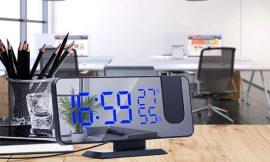 Radio despertador con proyector de pared, pantalla led, temperatura, humedad y puerto de carga USB por 16,59€ antes 33,18€.