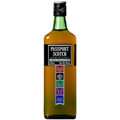 Passport Scoth Whisky botella de 700 ml por 7,00€.